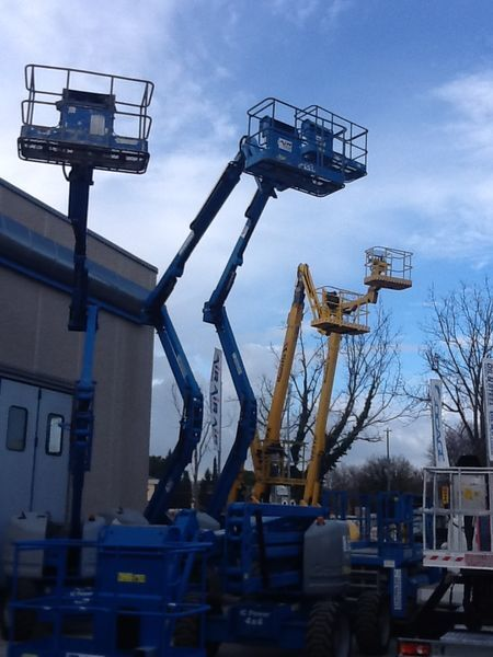 GENIE Z45  articulated boom lift