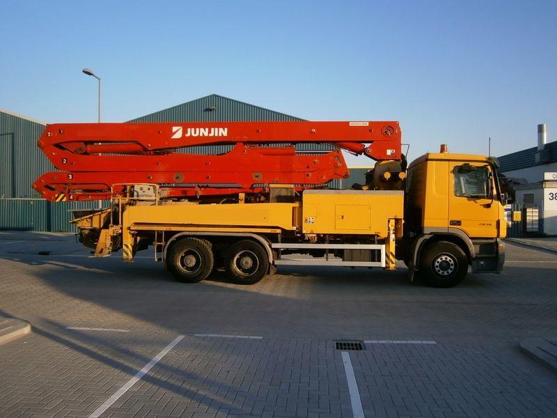 MERCEDES-BENZ 2636, JUN-JIN 37/4M concrete pump