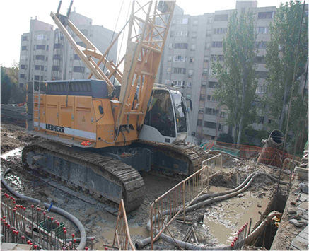 LIEBHERR HS855HD crawler crane