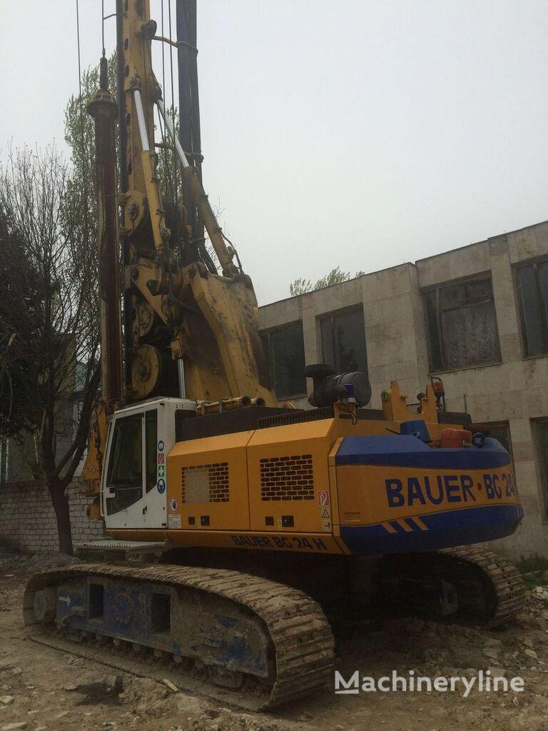 bauer drilling machine