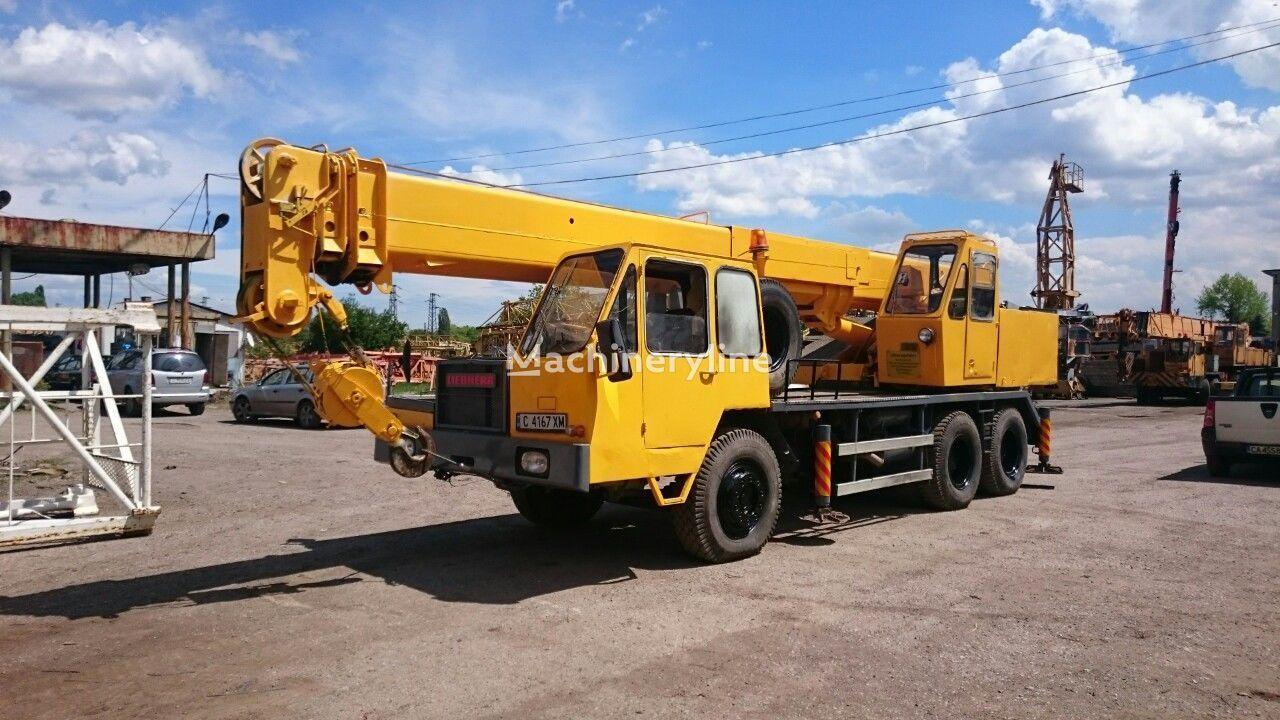 LIEBHERR LTM 1020 mobile crane