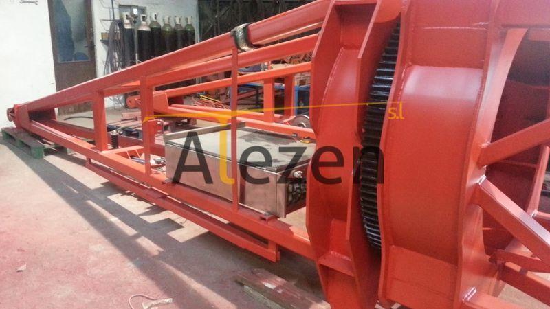 SAEZ s 46 RECONDITIONED tower crane