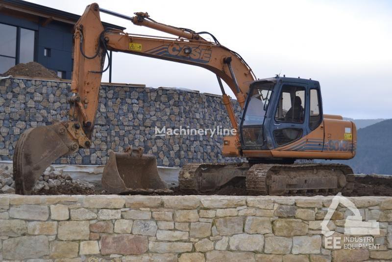 CASE 9013 tracked excavator