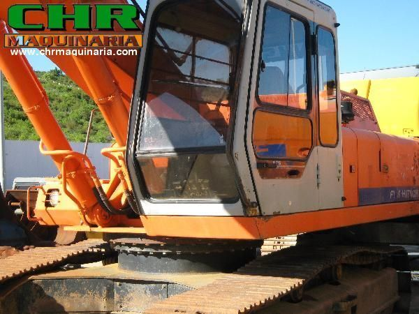 FIAT-HITACHI FH200 - FH220 tracked excavator