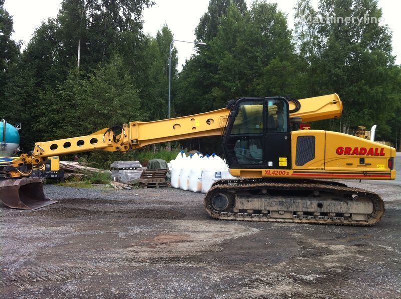 GRADALL XL4200II tracked excavator