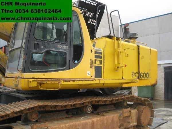 KOMATSU PC600-6 tracked excavator