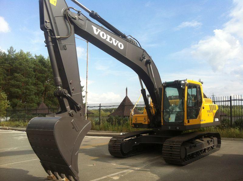 new VOLVO EC210B tracked excavator