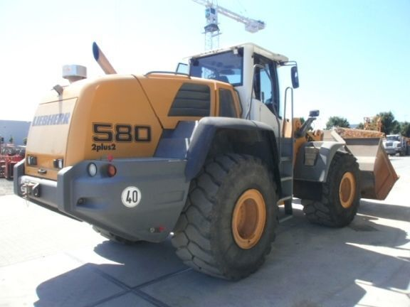 LIEBHERR L580 2plus2  wheel loader