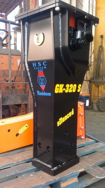 new ITALDEM GK 320S hydraulic breaker