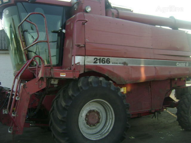 CASE IH 2166 combine-harvester