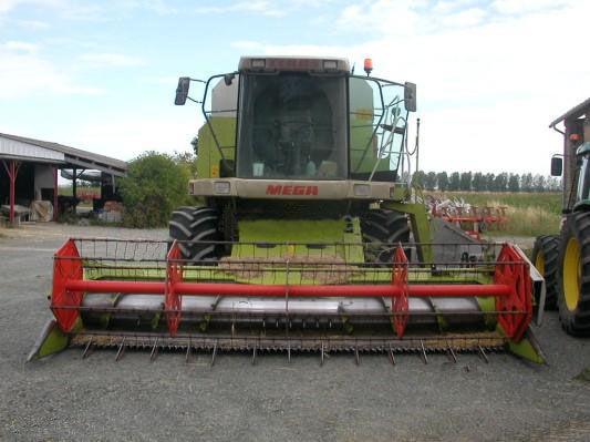 CLAAS MEGA 208 combine-harvester
