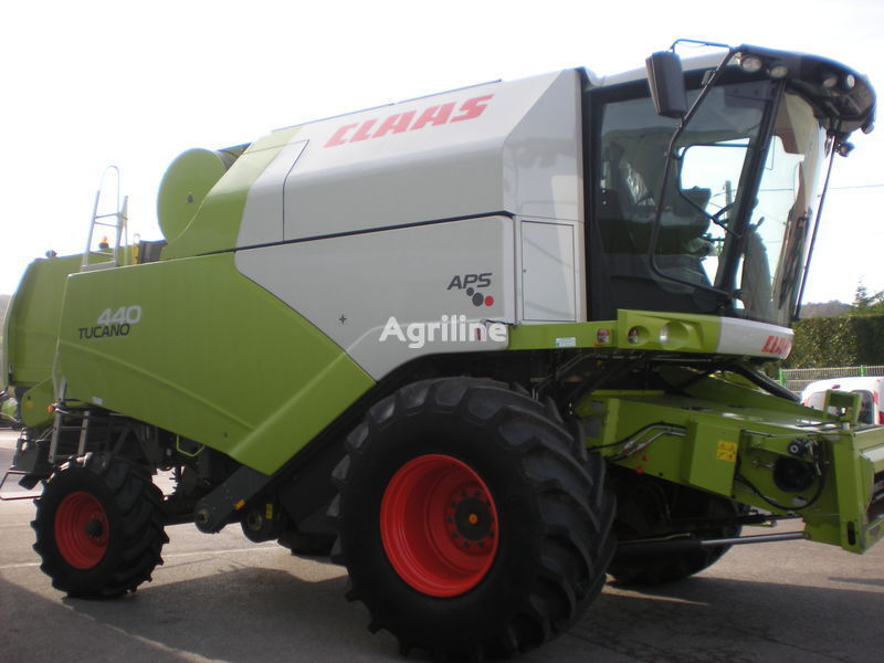 CLAAS b/u Tucano 440 iz Evropy combine-harvester