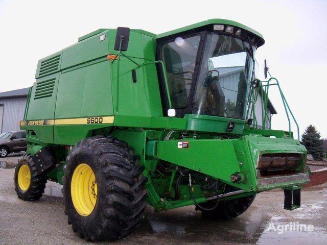 JOHN DEERE 9600 combine-harvester