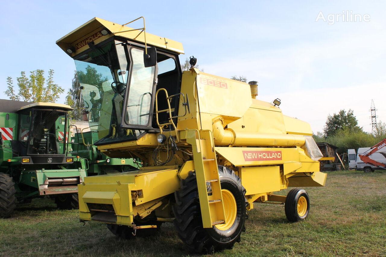 NEW HOLLAND 8050 combine-harvester