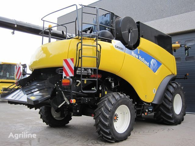 new NEW HOLLAND CR 9080 combine-harvester