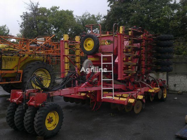 VÄDERSTAD RAPID 600C combine seed drill