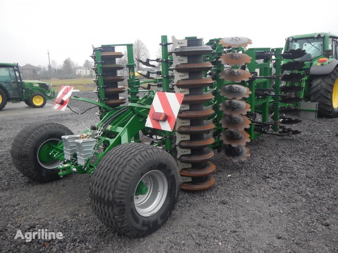 new GREAT PLAINS SIMBA SL400 cultivator