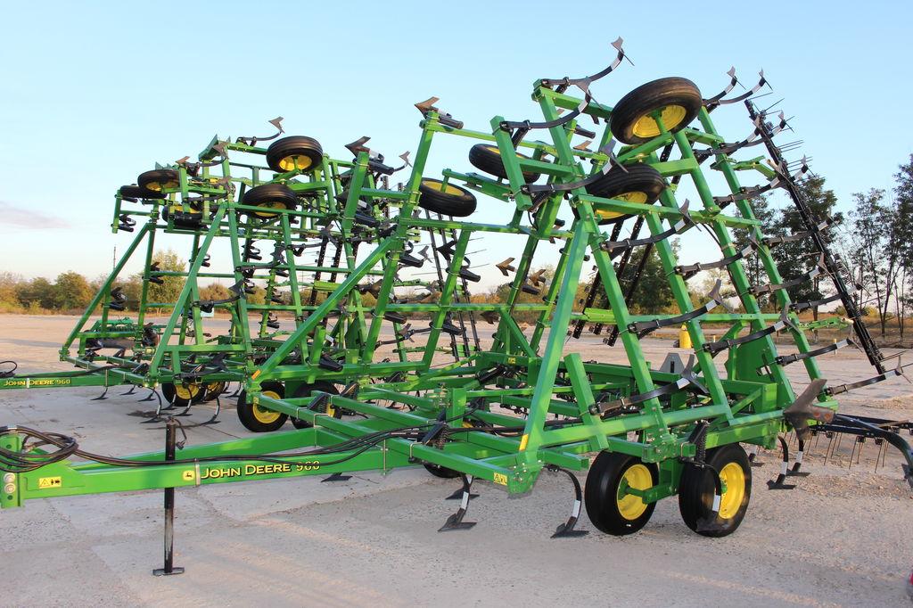 JOHN DEERE 960 9,6 metra NOVYY +KATKI cultivator