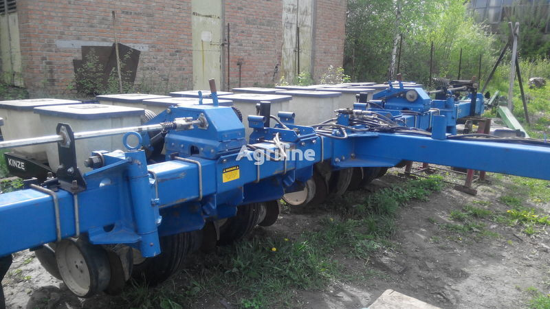 KINZE EF mechanical precision seed drill