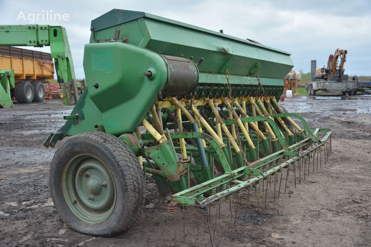 Remy mechanical seed drill