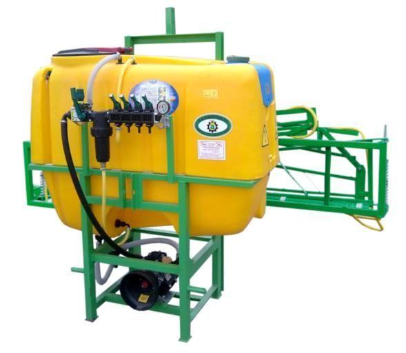 new 600 l/ 14 m mounted sprayer