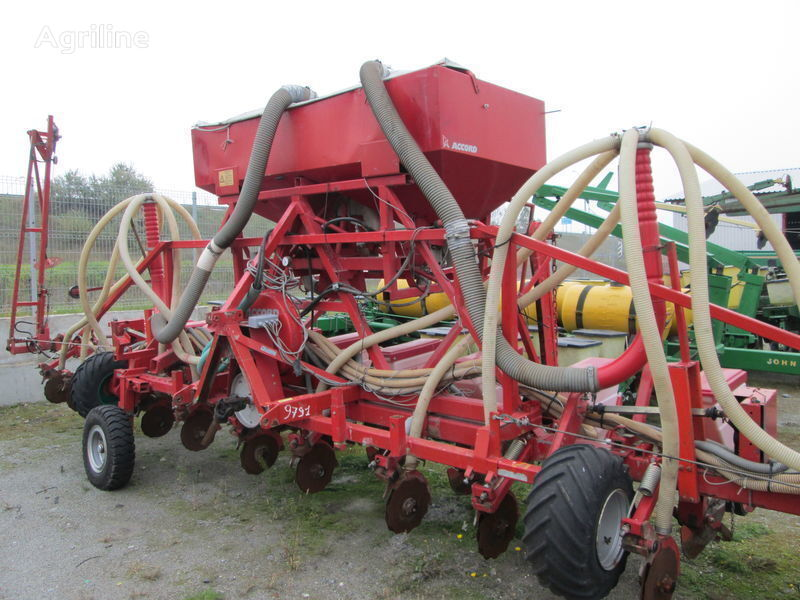 ACCORD Optima universalnaya pneumatic precision seed drill
