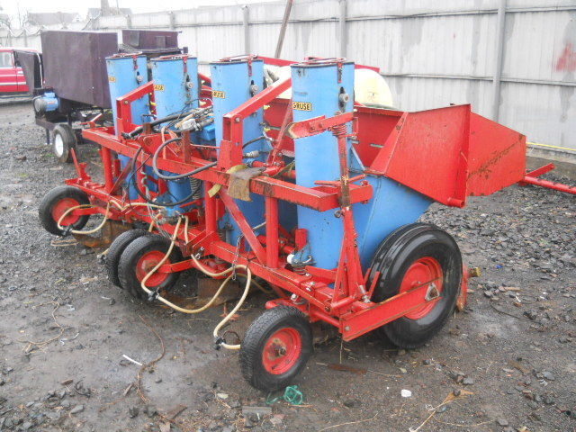 Gruse VL 19 potato planter