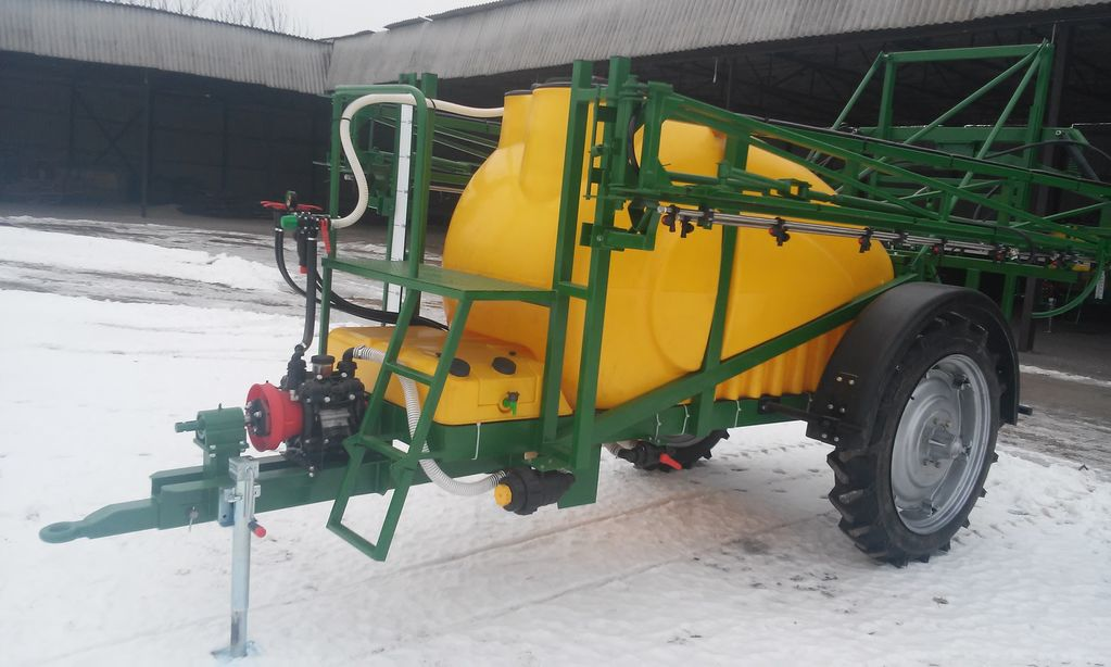 new Vektor-2000/21 trailed sprayer