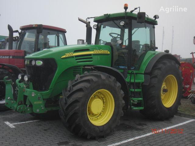 JOHN DEERE 7820 wheel tractor