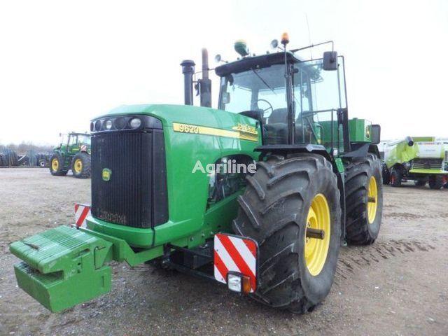 JOHN DEERE 9520 wheel tractor
