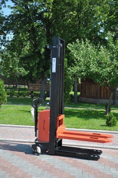 Leistunglift SPM1535 pallet stacker