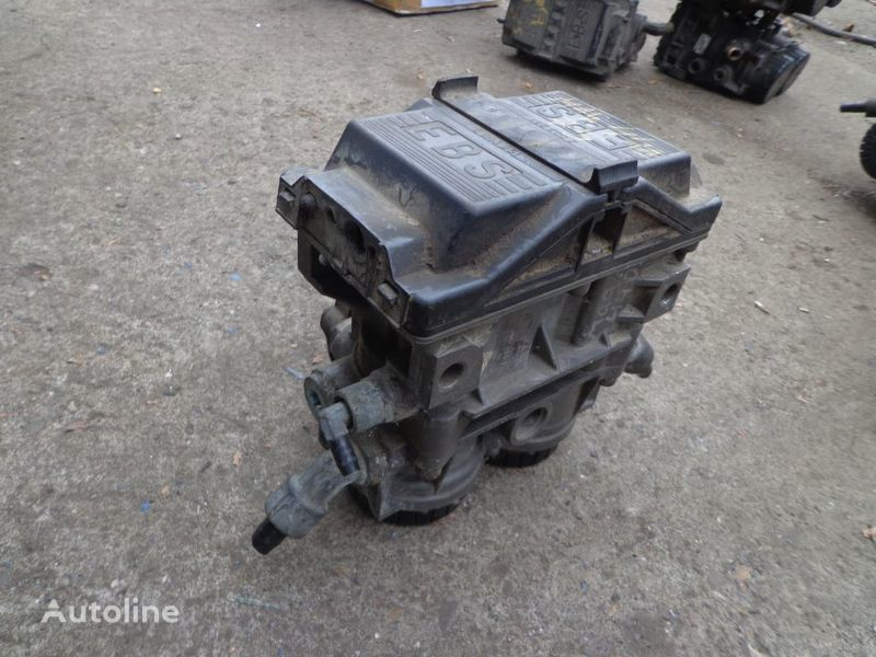Knorr-Bremse crane for RENAULT Magnum tractor unit