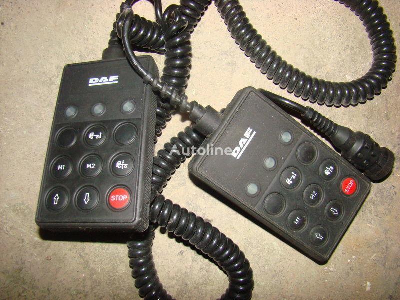 DAF 105XF remote control ECAS 1337230; 4460561290, 1657854, 1659760, 1669461, 1686733, 1690391, 1732019, 1780197, 1780200, 1792640, 1848360, 1851259, 1851261, 1851747, 1898313, 1898316, 1898317 dashboard for DAF 105XF tractor unit