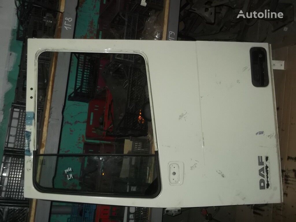 perednyaya levaya DAF door for truck