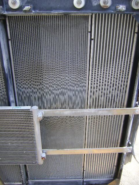 engine cooling radiator for NEW HOLLAND E 385 B excavator