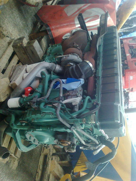 Volvo D12D engine for VOLVO FH 12 tractor unit