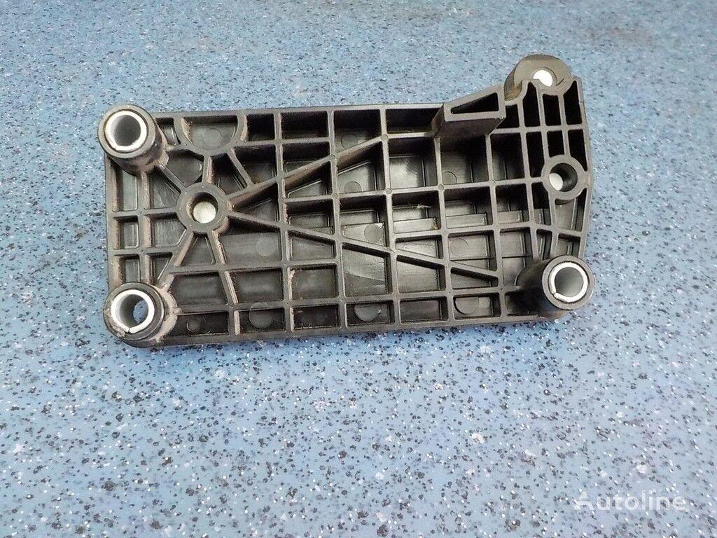 Plastina krepleniya pedali gaza Mercedes Benz fasteners for truck