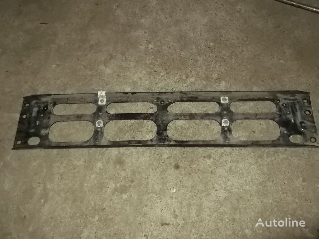 Krepezh reshetki radiatora Volvo fasteners for truck