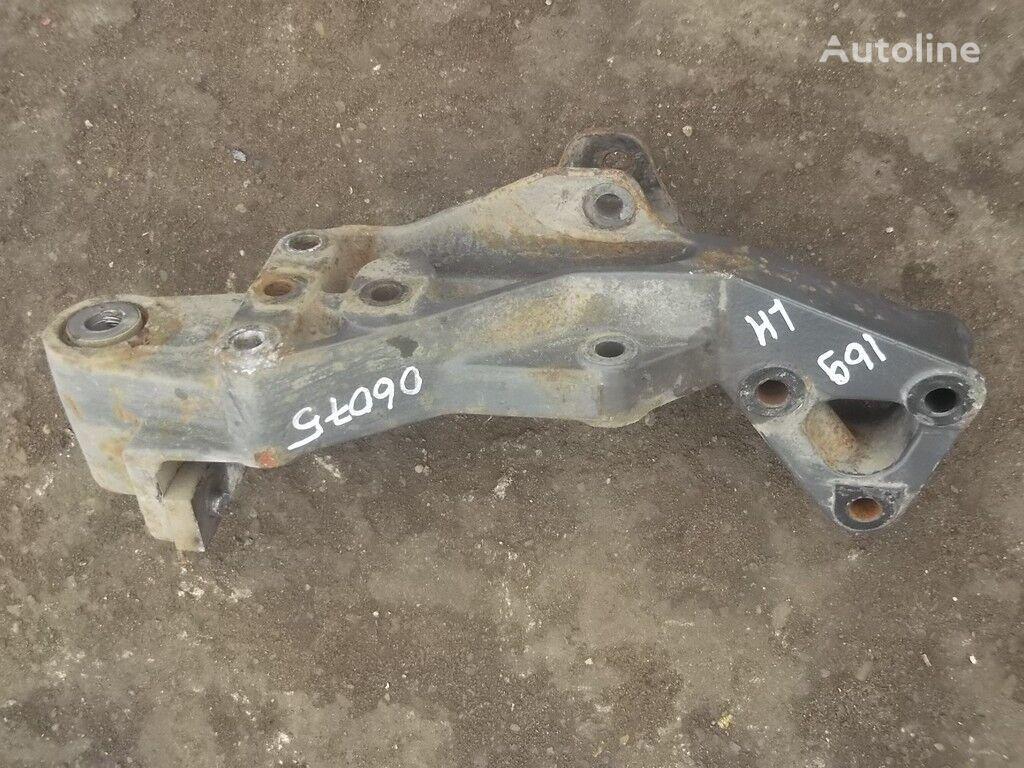 Kronshteyn krepleniya peredney ressory LH Volvo fasteners for truck