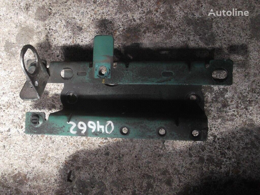 Kronshteyn trubki ohlazhdayushchey zhidkosti Volvo fasteners for truck