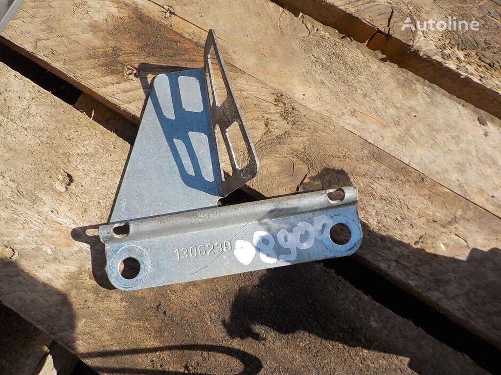 Kronshteyn krepleniya shtekerov provodki dveri Scania fasteners for truck