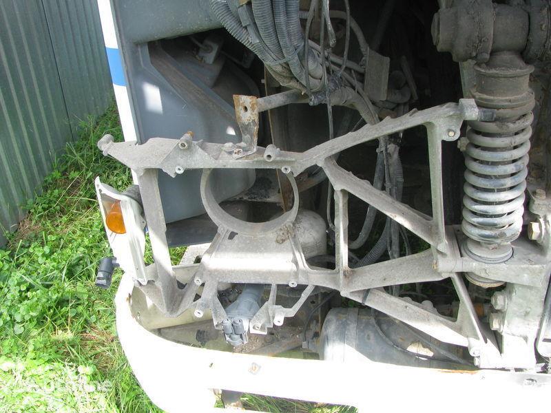 Kronshteyn fary fasteners for DAF tractor unit