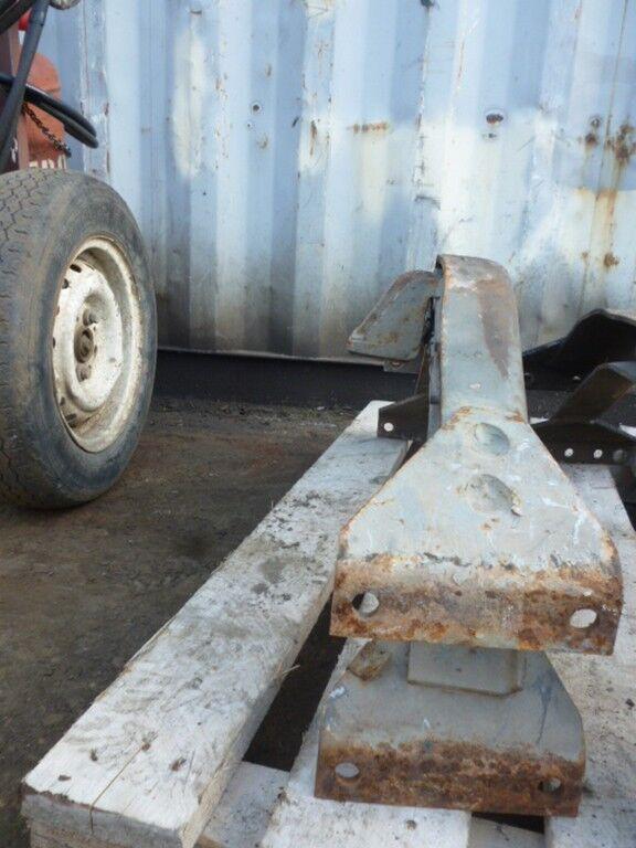 Traversa ramy fasteners for SCANIA truck