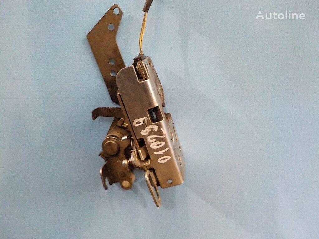 Zamok dveri pravyy s elektroprivodom fasteners for VOLVO truck