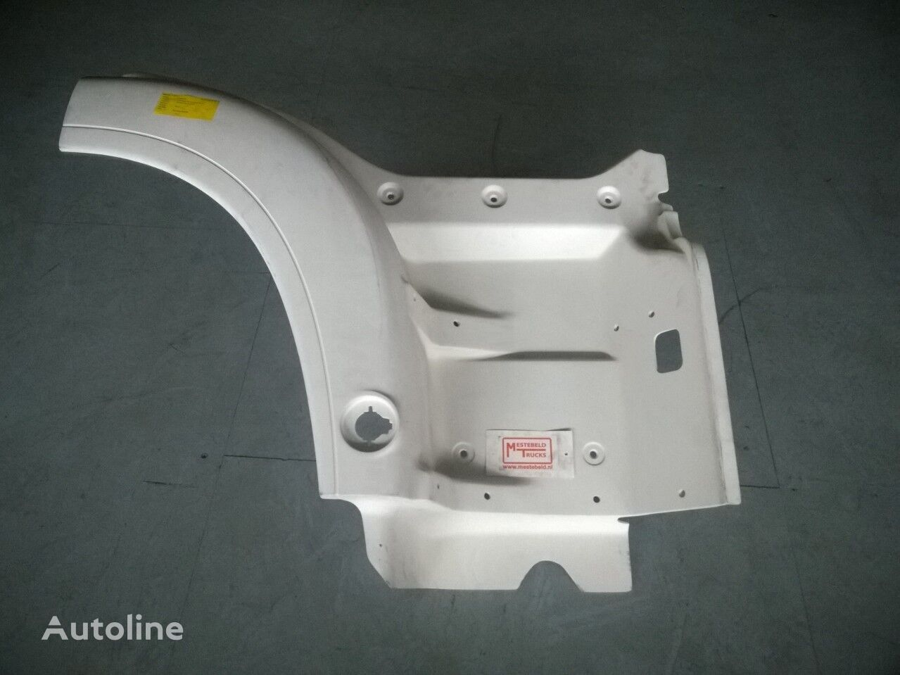 new footboard for MAN Instapbak TGA tractor unit