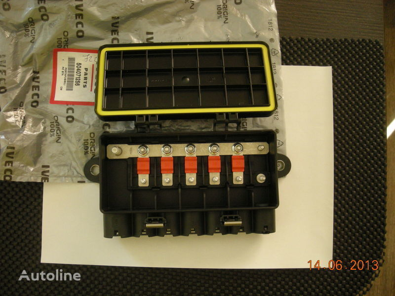 new IVECO 504071256 41221026 fuse block for IVECO tractor unit