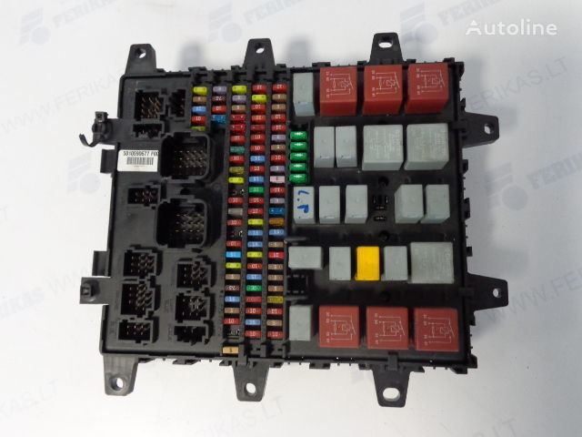 Protection box 7421169993,5010590677,7421079590, 5010428876, 5010231782 , 5010561943 fuse block for RENAULT tractor unit