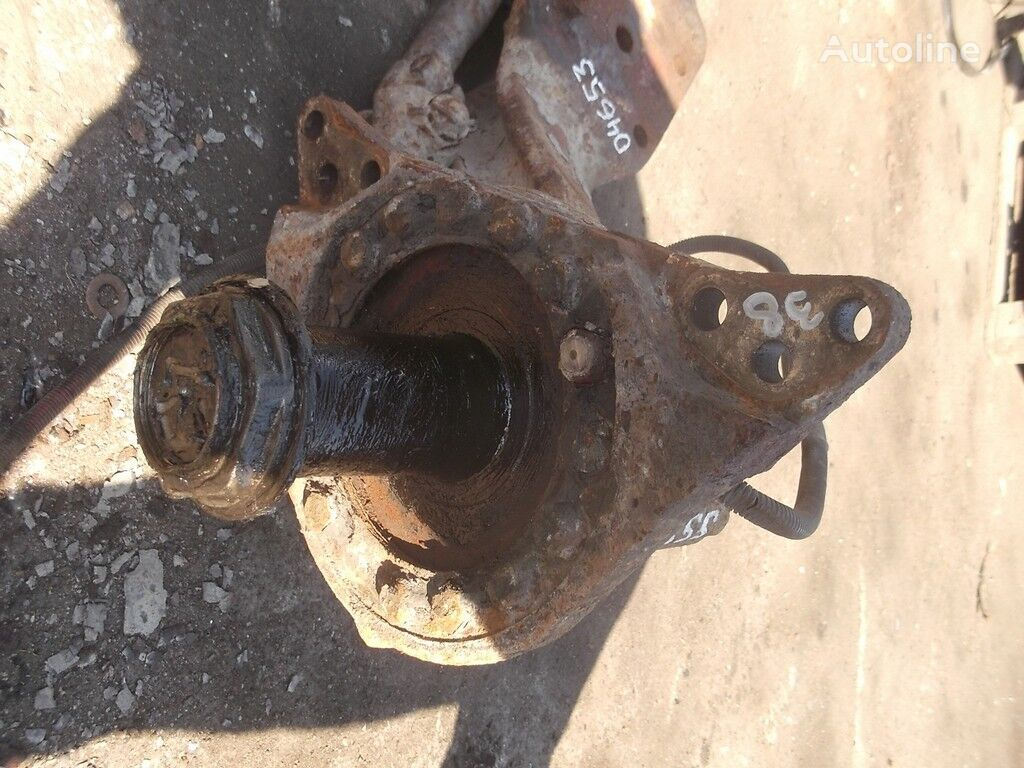 Kulak povorotnyy RH Renault spare parts for truck
