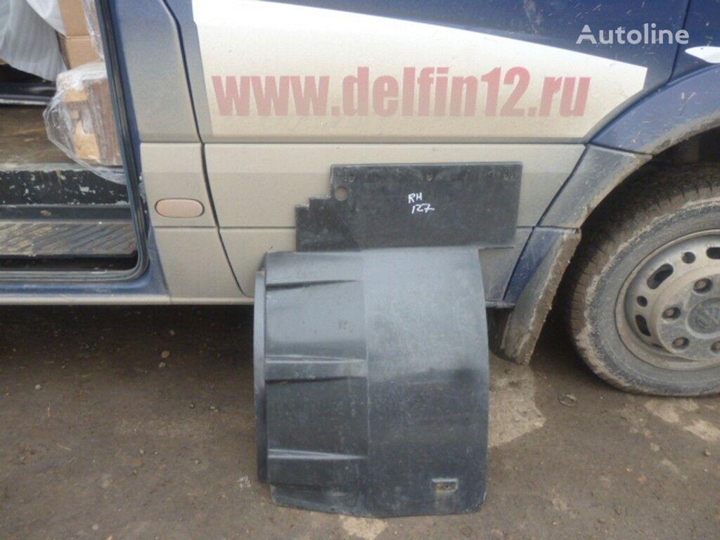 Bryzgovik peredniy perednyaya pravaya chast XF95/105 spare parts for truck