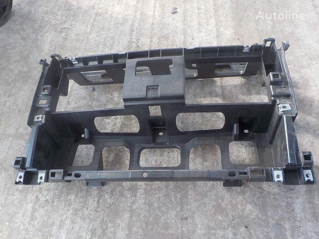 Nesushchaya balka srednyaya chast (plastik) MAN spare parts for truck